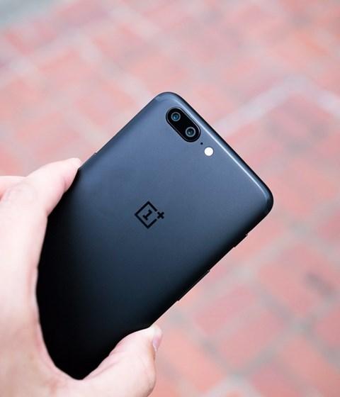 O Erro do OnePlus 5 Faz Com Que o Telefone Seja Reiniciado ao Discar 911