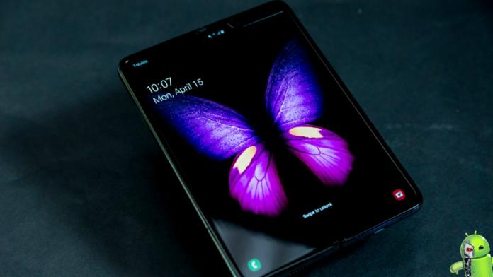 Lançamento do Galaxy Fold é adiado e Samsung explica o porque