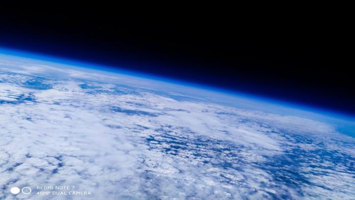INCRÍVEL! Redmi Note 7 é enviado para o espaço, tira fotos e retorna sem nenhum arranhão