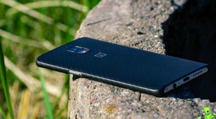 OnePlus 8 Pro tem primeiras imagens e especificações vazadas